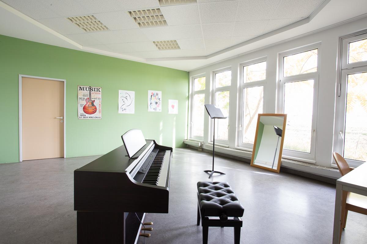Student dormitories in Vienna: HOUSE DONAUFELD, (Donaufelderstraße ...